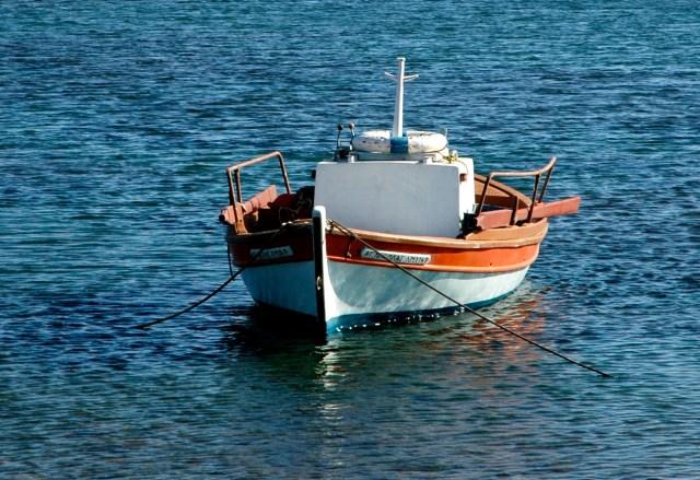 Barco de pescador na Ilha de Delos