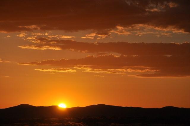 O dramático pôr-do-sol da Namíbia