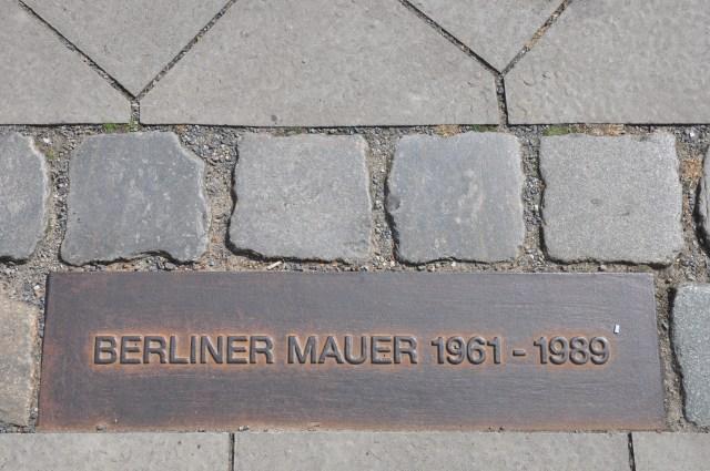 Marco referencial do Muro de Berlim - Está por toda parte.