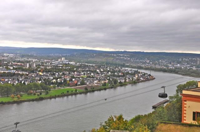 Vista do alto da Fortaleza Ehrenbreistein