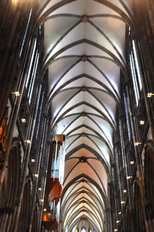 Detalhe da nave da Catedral de Colônia