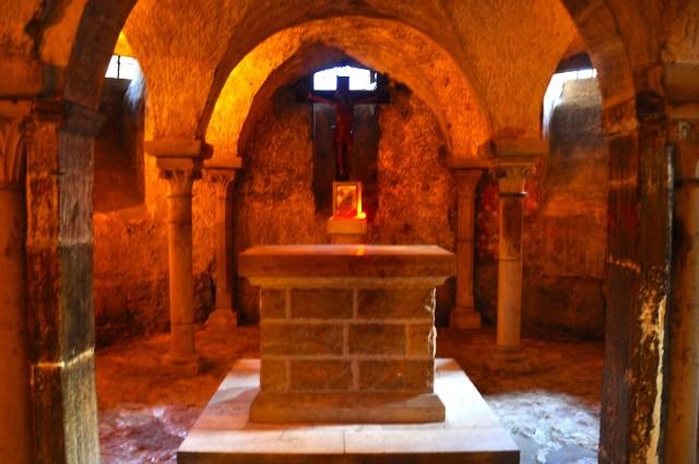A cripta onde ficavam as relíquias de Santa Madalena