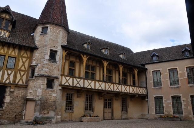 O Hotel dos Duques onde funciona o Museu dos Vinhos.