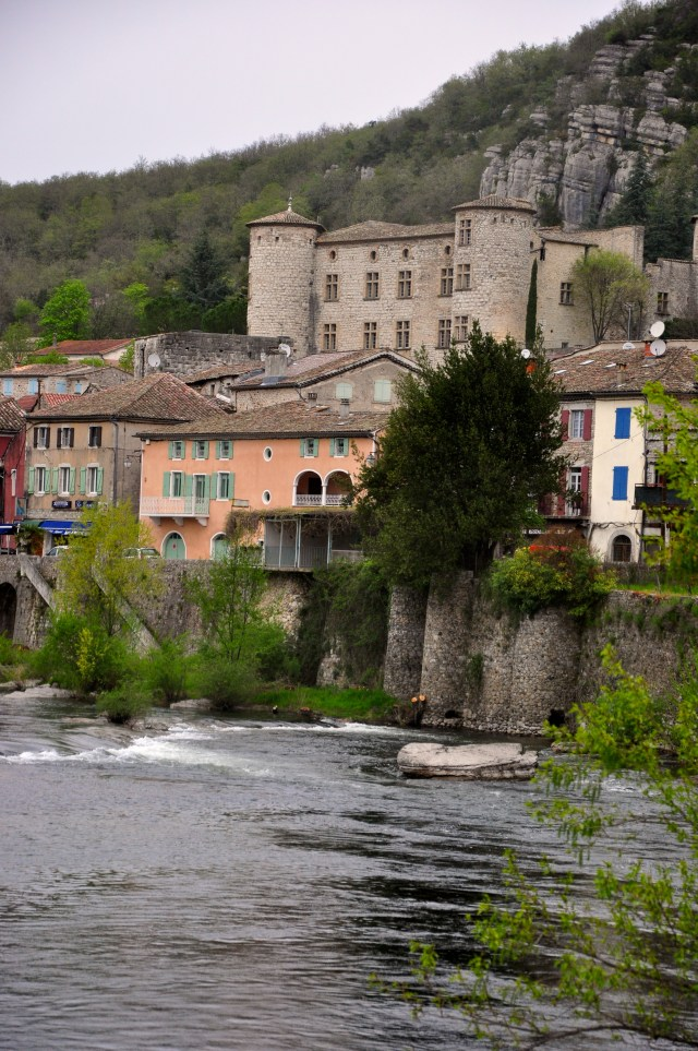 O Castelo de Vogue no caminho da Provença.
