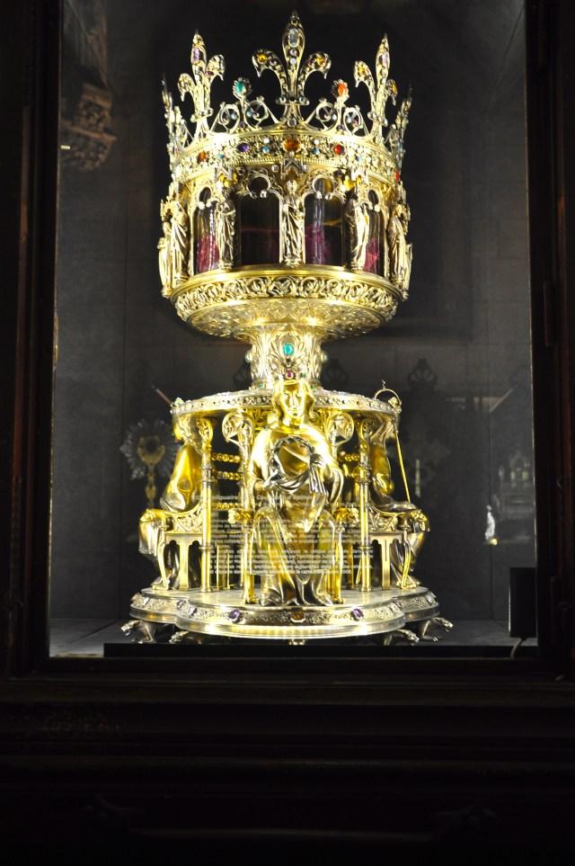 O relicário da coroa de espinhos de Jesus Cristo