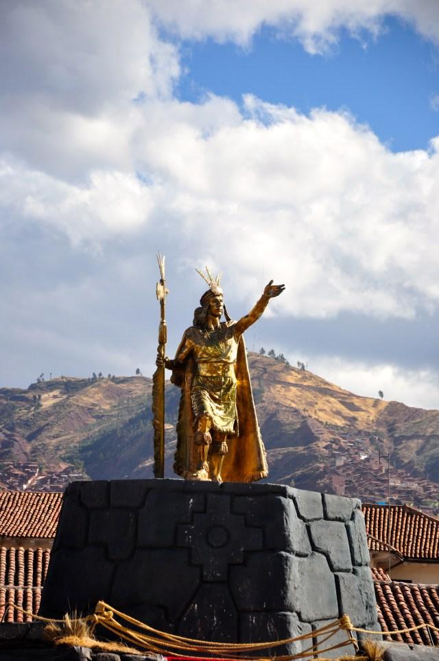 A estátua de Pachacútec