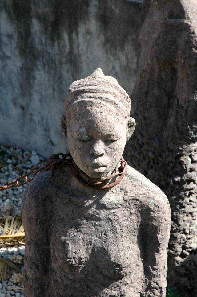 A tragédia do tráfico de escravos presente em Zanzibar.