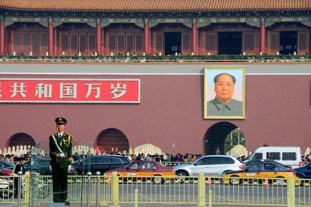 A foto de Mao Tsé Tung na entrada da Cidade Proibida.