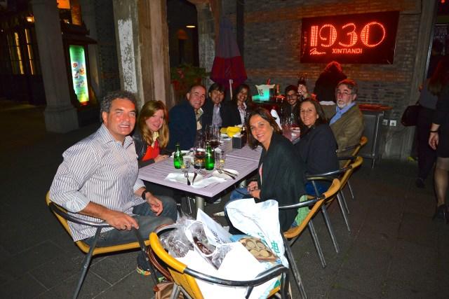 A turma da Via Alegria no Restaurante 1930 - Concessão Francesa.