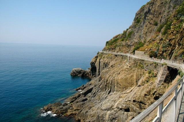 A Via dell'Amore liga Riomaggiore a Corniglia