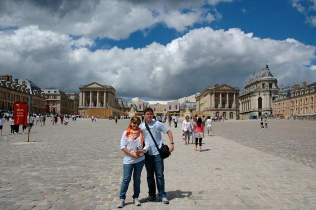 Fachada externa do Palácio de Versalhes.