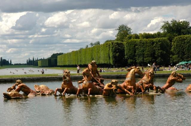 A Fonte de Netuno nos Jardins de Versalhes.