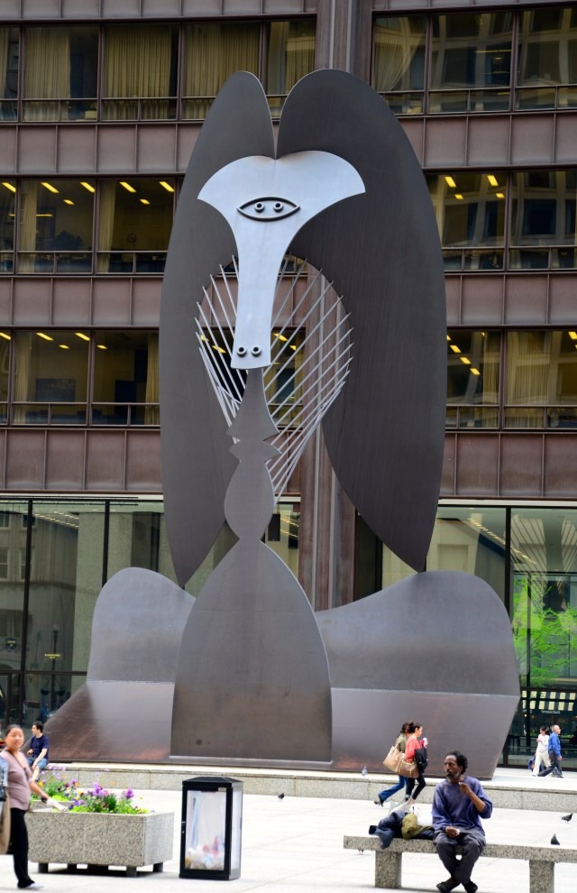 A escultura de Pablo Picasso.