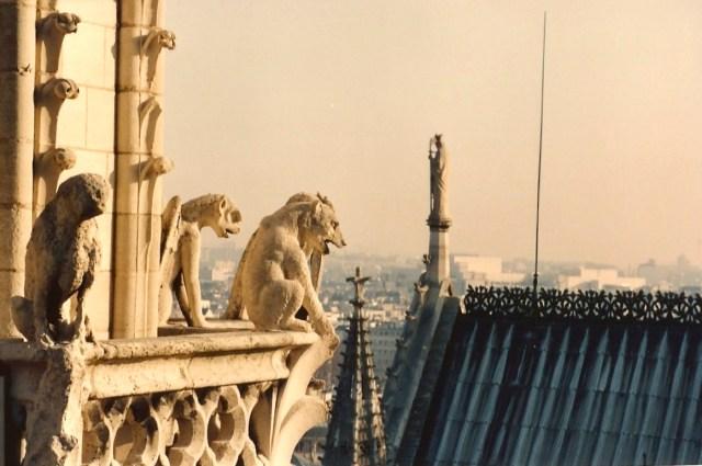 As Gárgulas do alto da Catedral de Notre Dame