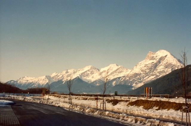 A estrada entre a Suíça e a Áustria é encantadora