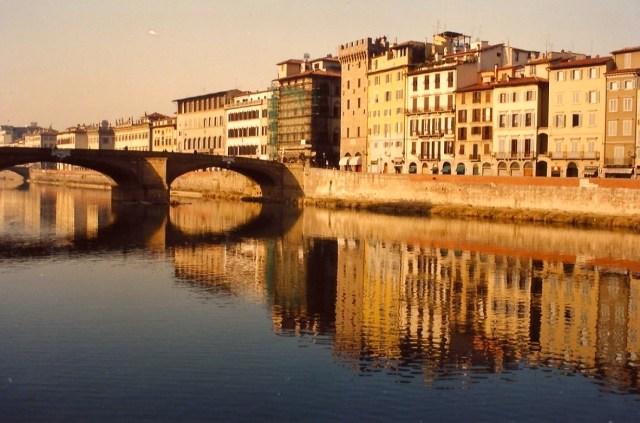Florença das margens do Rio Arno.