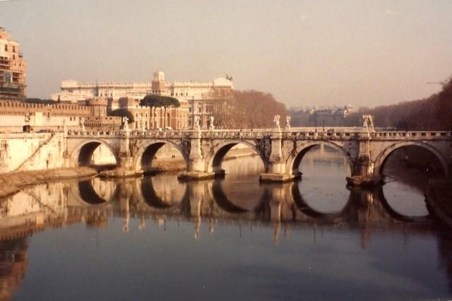 Ponte sobre o Rio Tibre