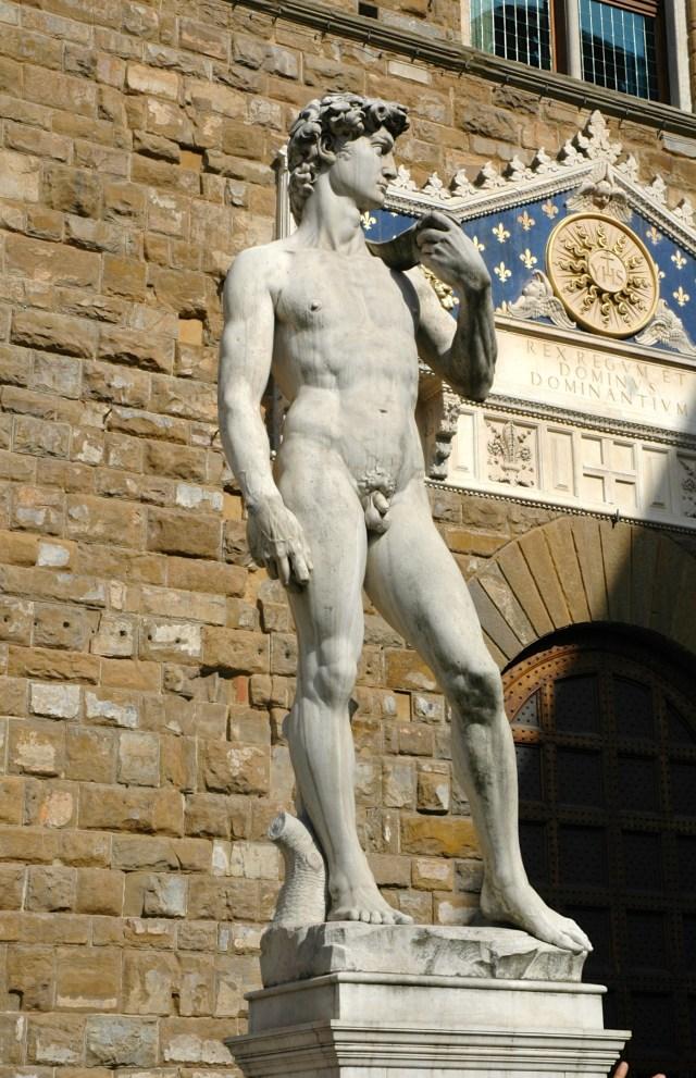 A réplica do David na Praça Della Signoria.