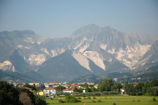 Cordilheira dos Apeninos na região de Carrara