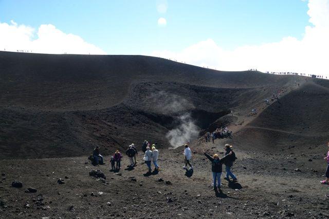 A caminhada até as crateras do Etna
