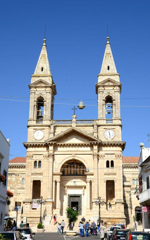 A igreja matriz de Alberobello.