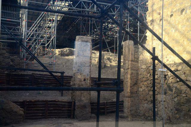 As escavações das ruínas continuam ainda hoje.