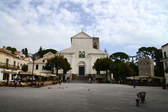 A praça principal de Ravello.