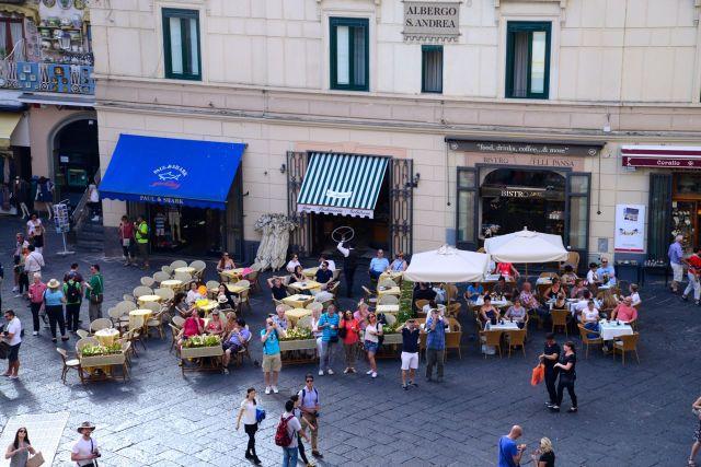 A praça principal de Amalfi.
