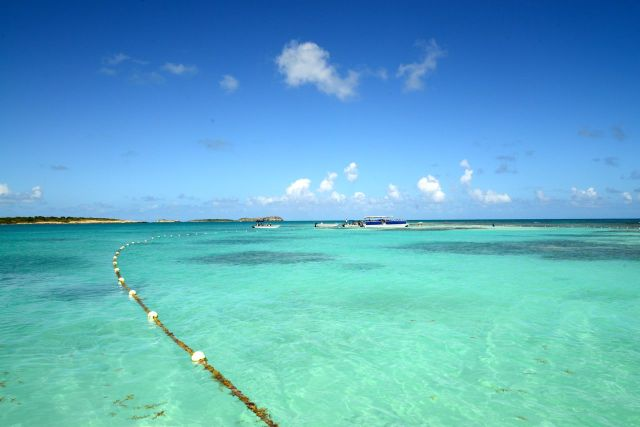 Águas claras e calmas são ideais para a prática do snorkeling