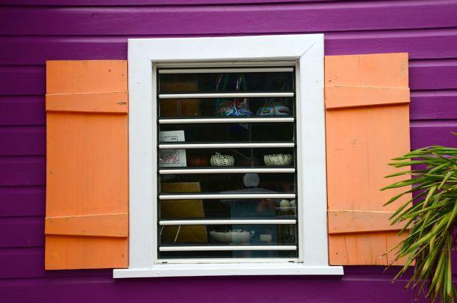 Janelas coloridas em Sint Maarten