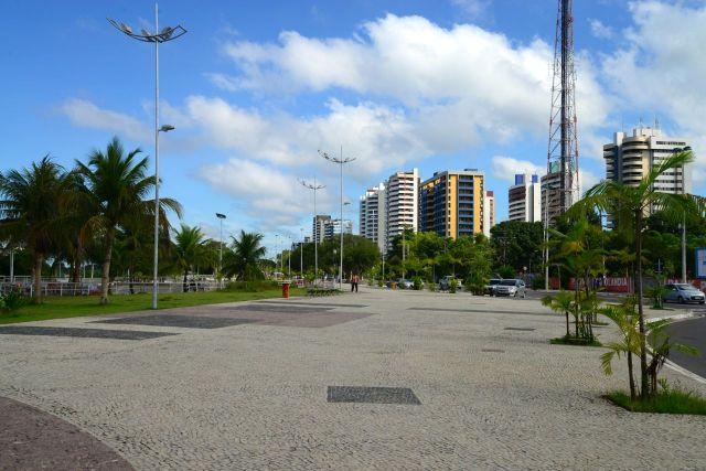 O calçadão do Parque da Ponta Negra.