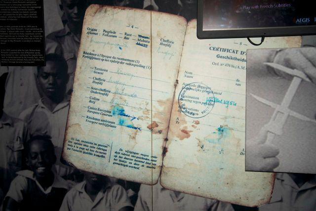 A carteira de identidade identificava o grupo étnico.