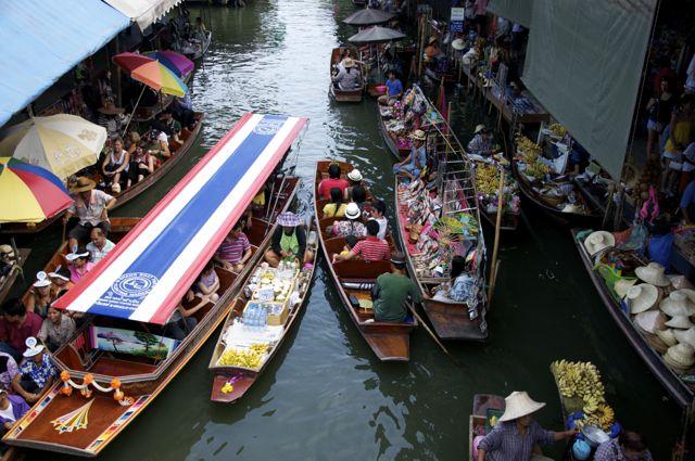 O Mercado Flutuante de Damnoen Saduak