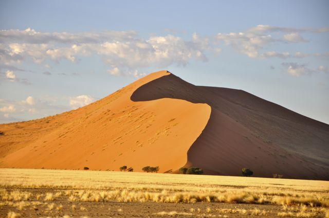 As dunas de areias vermelhas de Sossusvlei