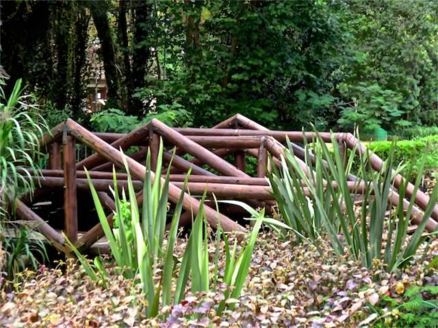 A ponte que dá acesso ao Bosque Polonês.