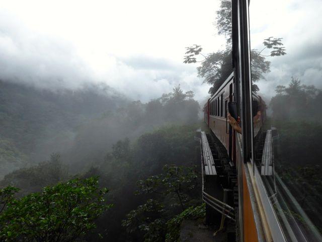 Detalhe da Serra do Mar na Ferrovia Curitiba-Paranaguá