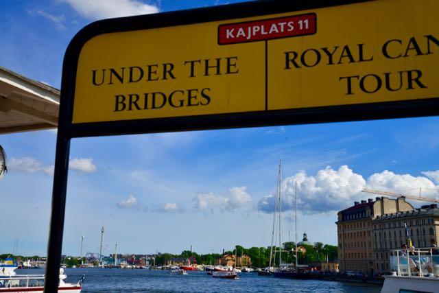 """O passeio de barco """"hop on hop off""""."""