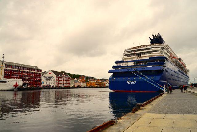 Vista do cais de Stavanger.