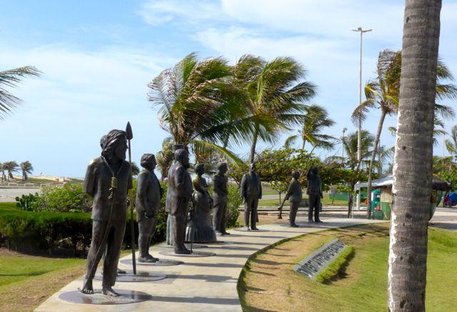 Esculturas de bronze de personagens da história do Brasil