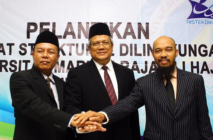 Wakil Rektor I, Rektor, dan Wakil Rektor II UMRAH masa jabatan 2016-2020