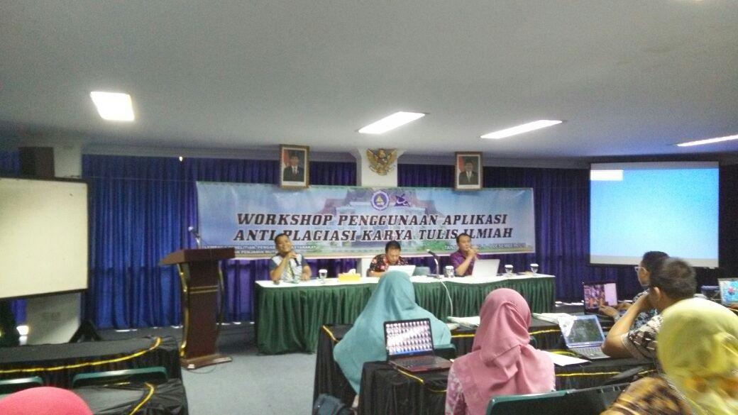 Cegah Plagiasi Karya Ilmiah, LP3M UMRAH Gelar Workshop Aplikasi Anti-Plagiasi