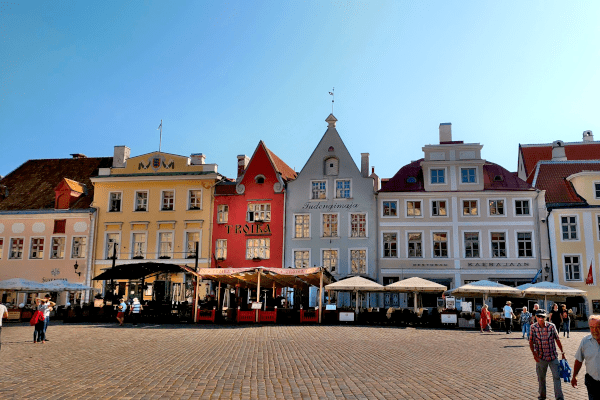 Praça do centro antigo de Tallinn - Estônia