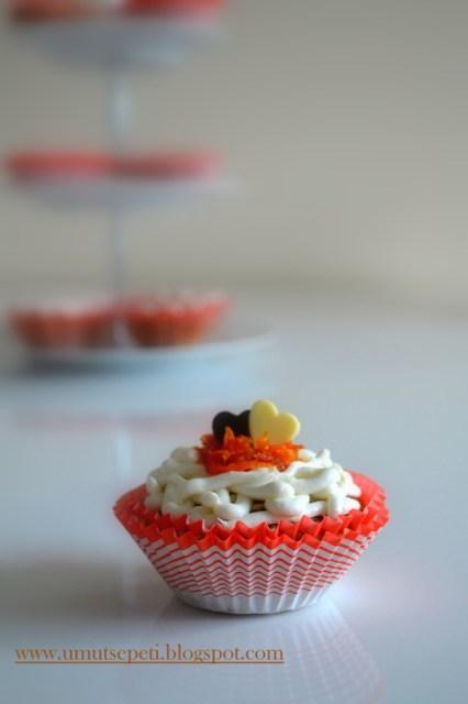 cevizli kek,resimli kek tarifleri,cupcake, değişik kek tarifleri