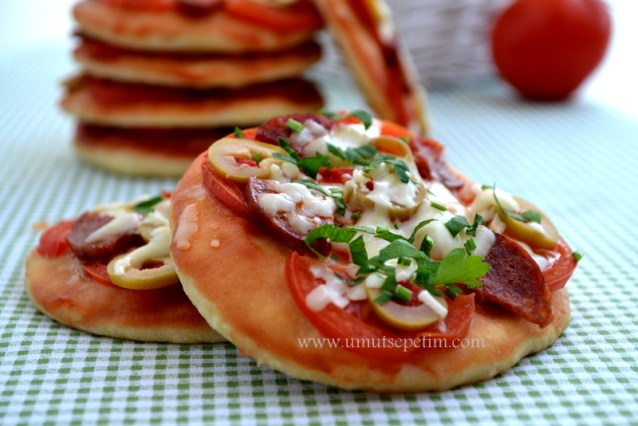 Mini Pizzacıklar :)