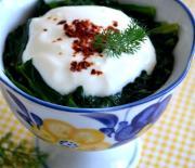 Yoğurtlu  Pazı  Salatası Tarifi