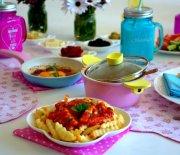 Bir  Pazar  Kahvaltısı ve  Nefis  Domates  Sosu