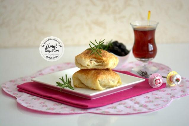 Peynirli  Puf  Börek  Tarifi