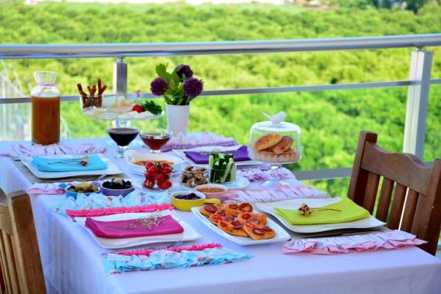 Pazar  Kahvaltısına  Buyurun :)