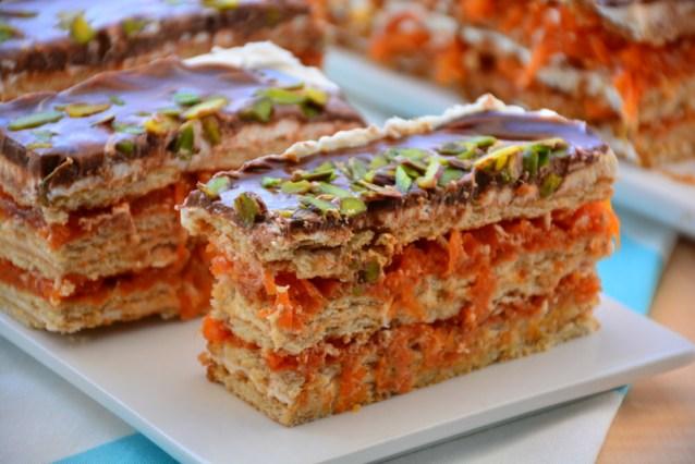 Havuçlu Bisküvili  Yaş  Pasta Tarifi