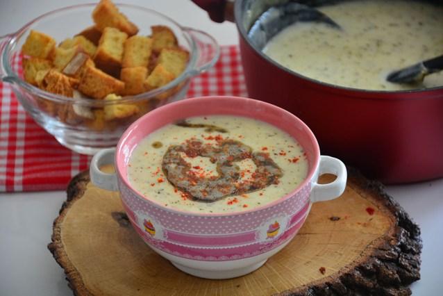 5 Dakikada Yoğurt Çorbası